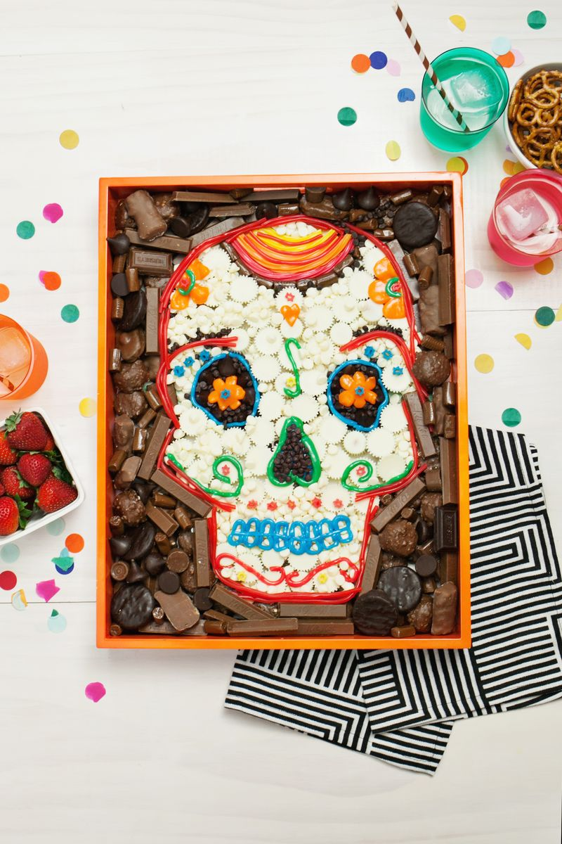 Halloween Candy Party Tray DIY
