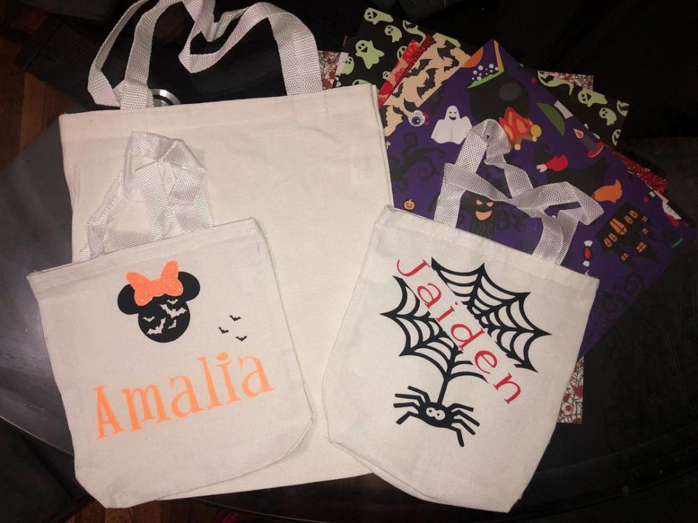 Halloween goodie bag ideas bags with name tags