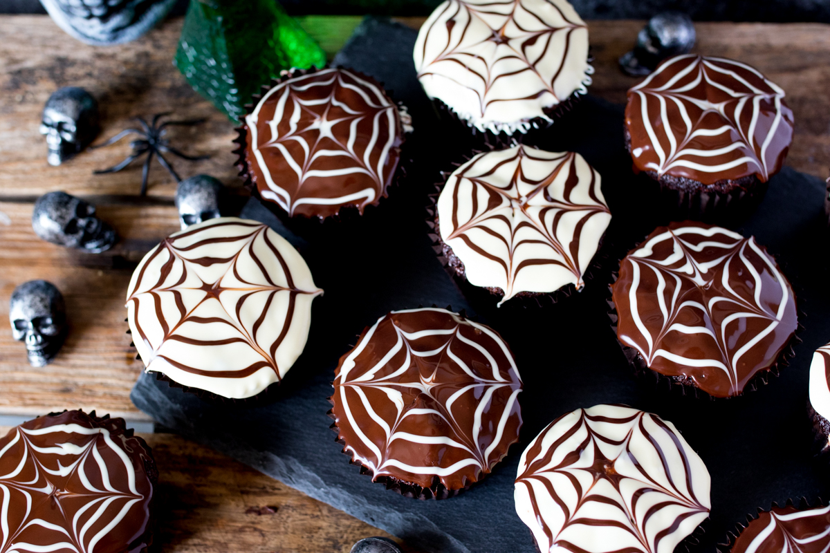 Halloween spide web cupcakes finished 4