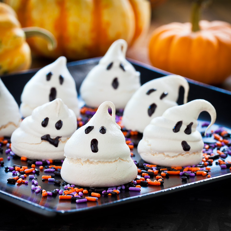Halloween_Ghost_Meringue_Cookies-2