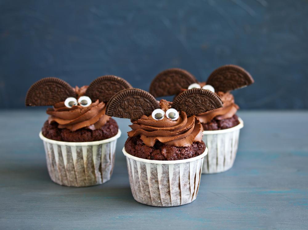 Oreo bat chocolate halloween muffins