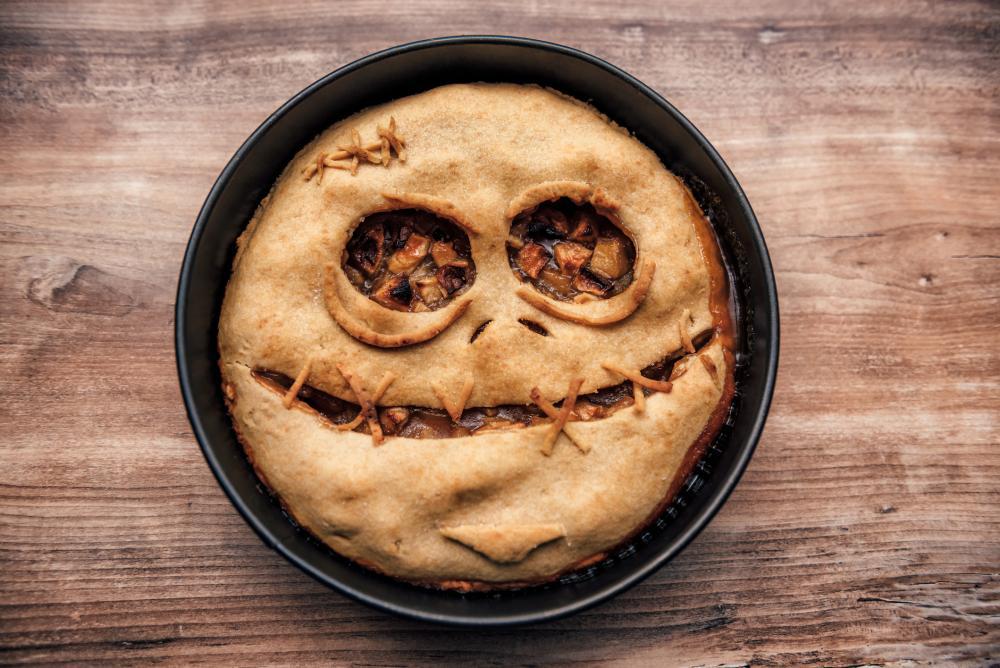 Scarecrow apple pie