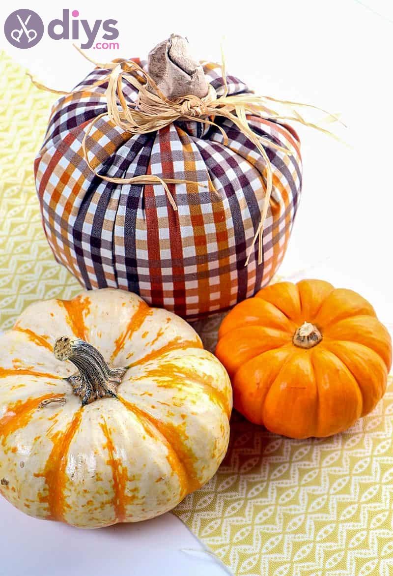 Simple diy fabric pumpkins