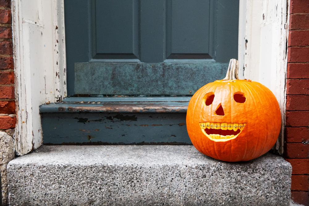 Smiling pumpkin with braces