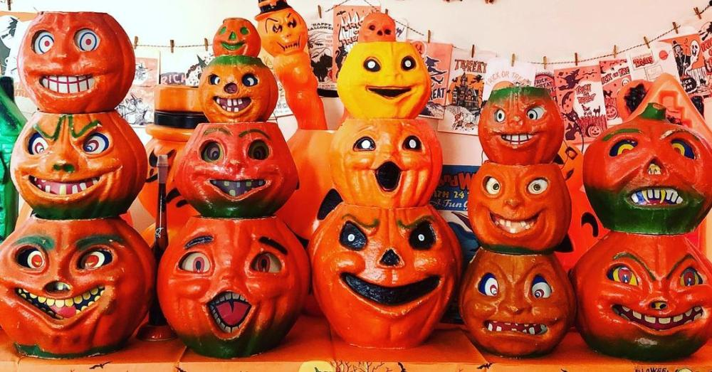 Trick or treat bags pumpkin heads