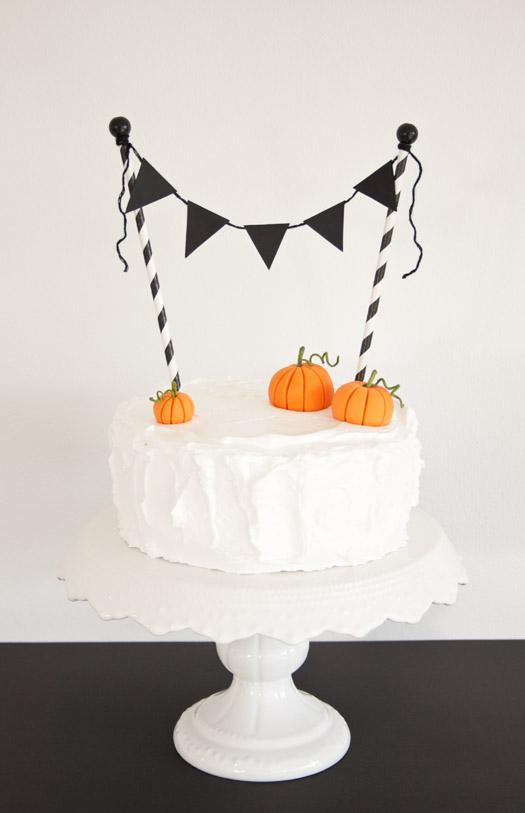 Vintage Halloween Cake