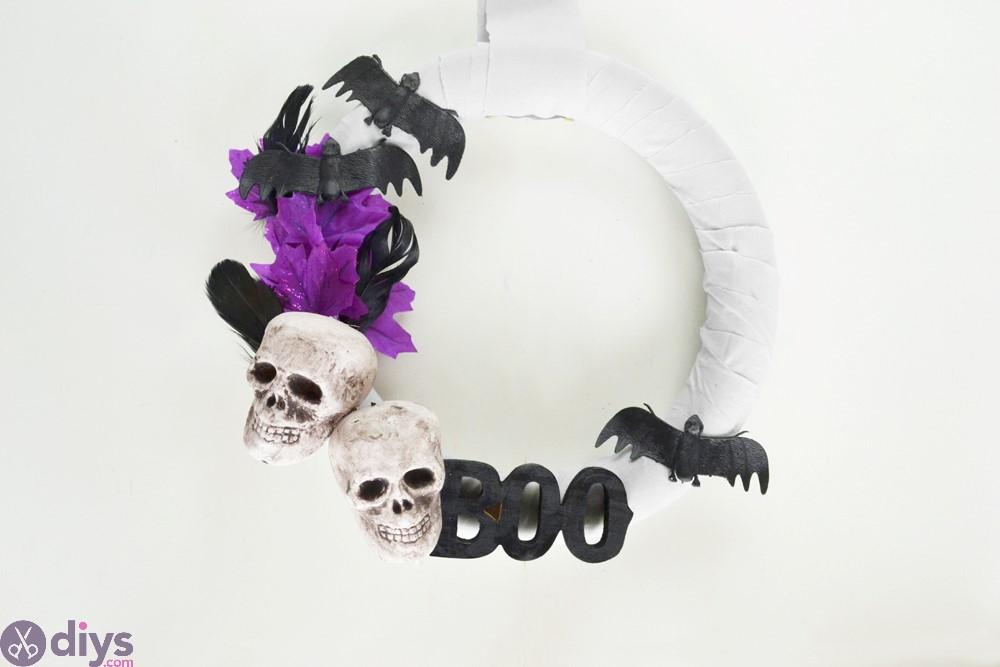Whimsical halloween wreath diy centerpiece ideas