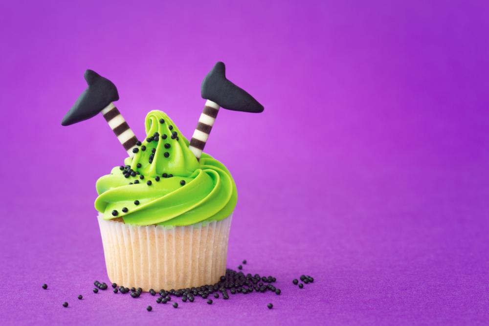 Witch legs green halloween cupcakes