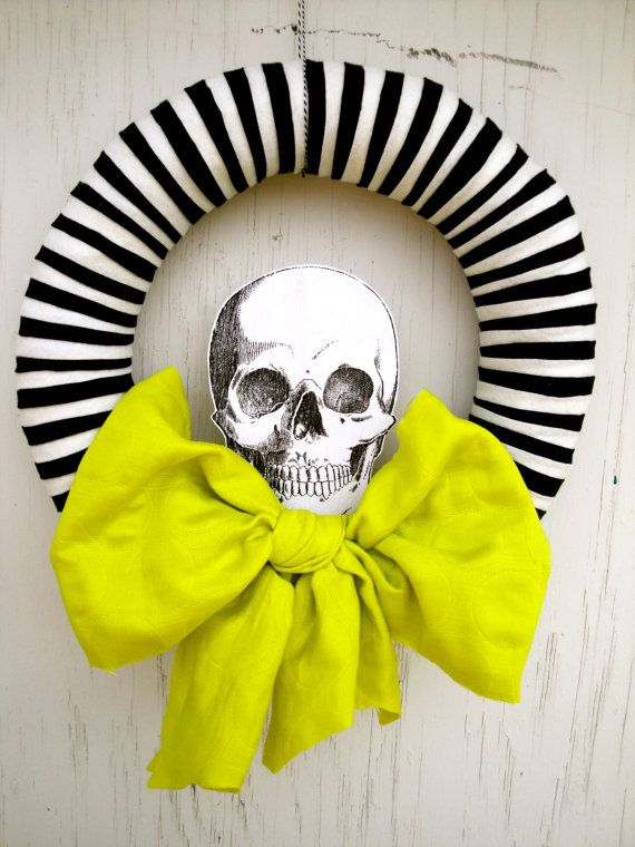 contemporary halloween wreath