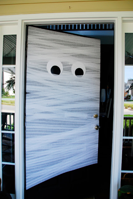 crepe-paper-mummy-door