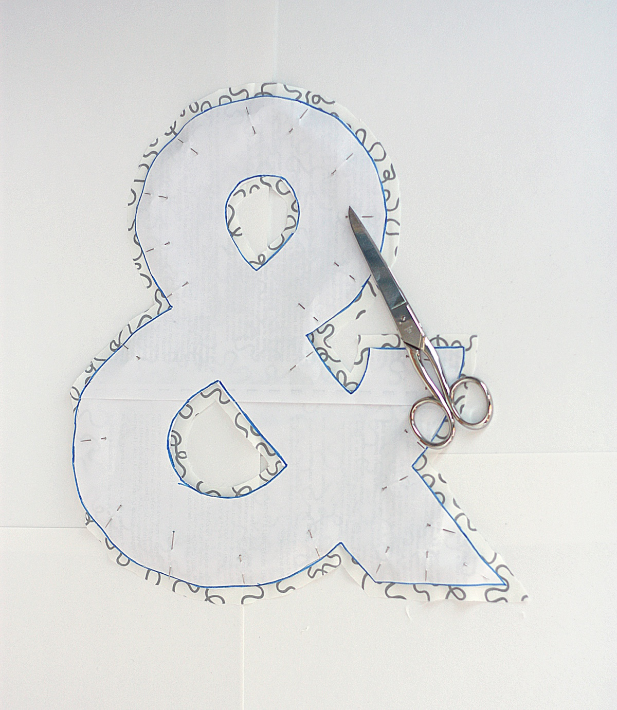 diy ampersand pillow cut