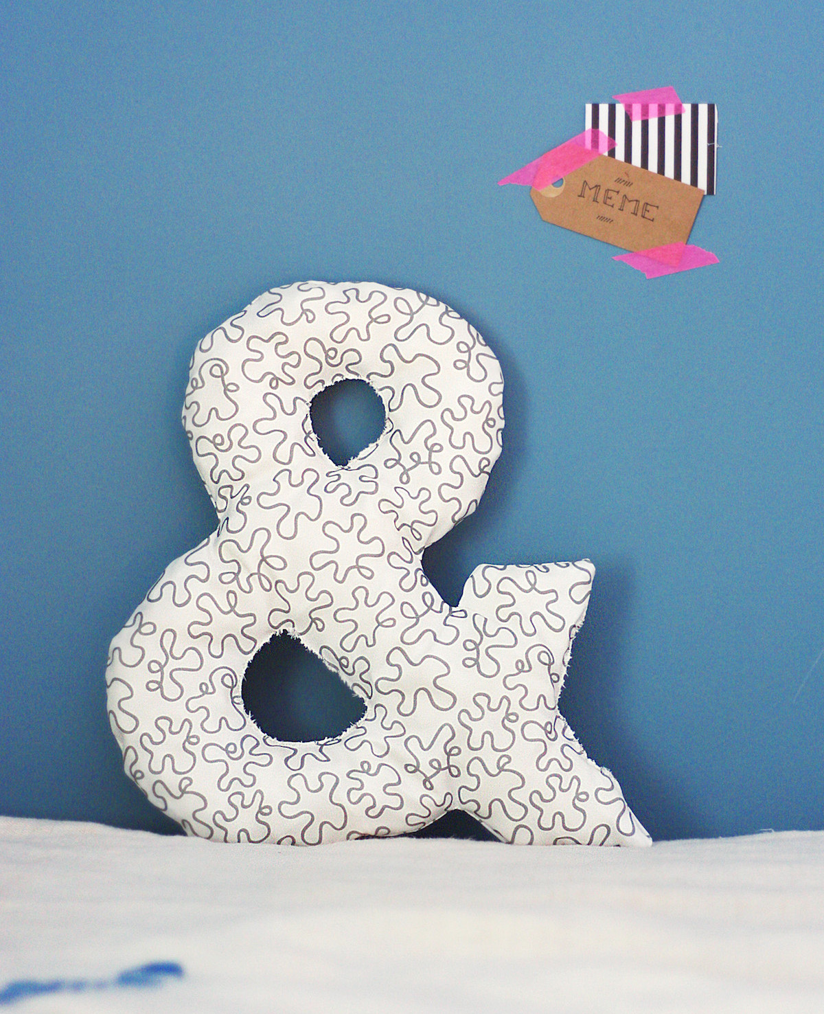 diy ampersand pillow feat