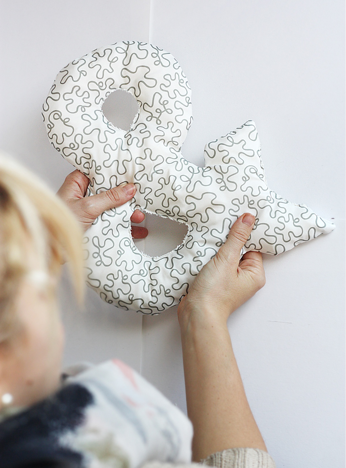 diy ampersand pillow squish