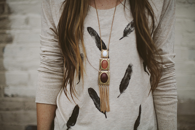 feather printed tee