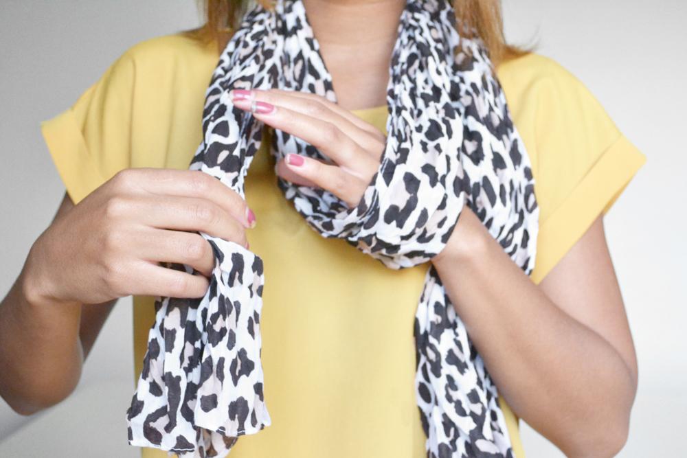 ways to tie a scarf 3
