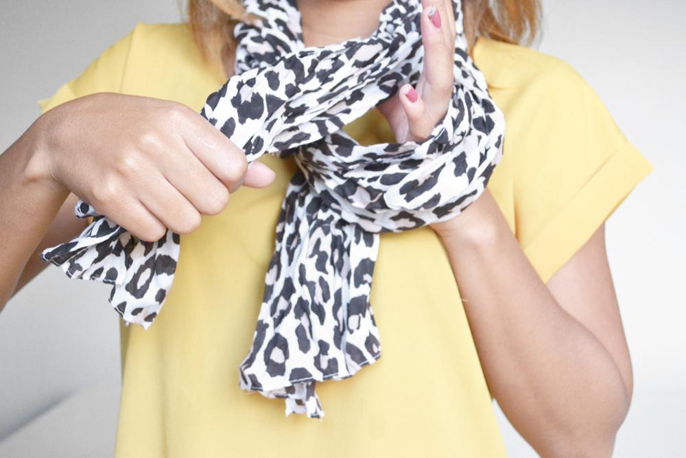 ways to tie a scarf 6