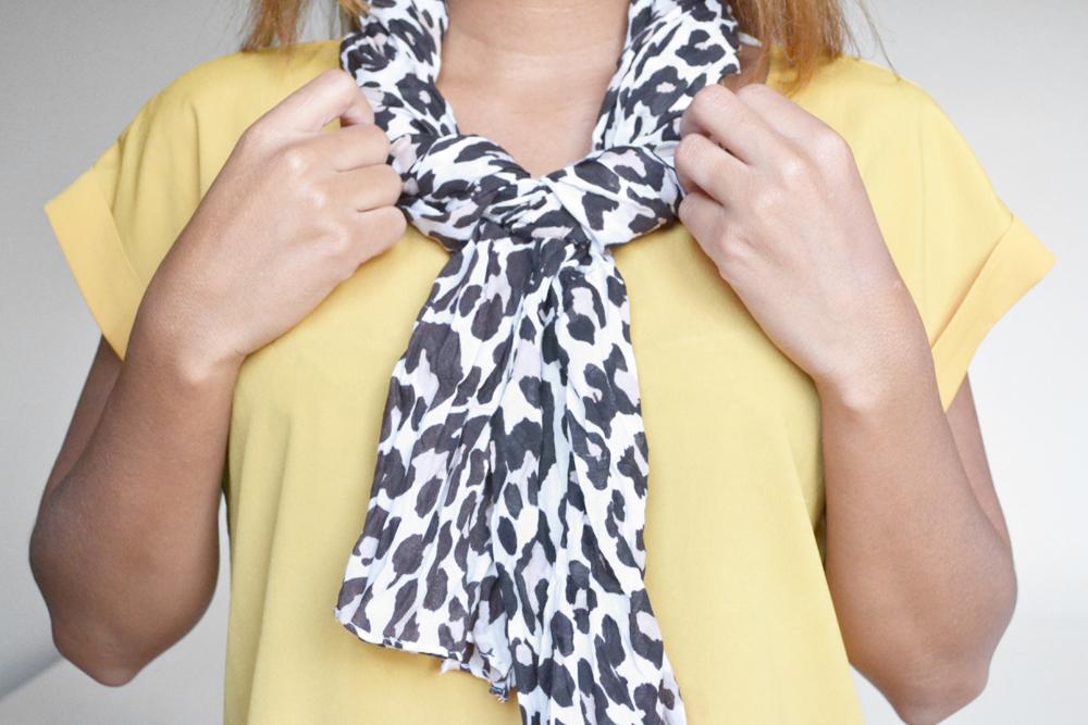 ways to tie a scarf 7