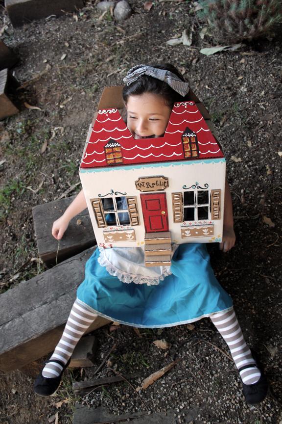 Little Girl Halloween Costume - Alice in Wonderland
