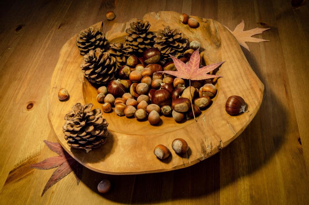 Chestnut acorn decorative bowl thanksgiving table decor ideas