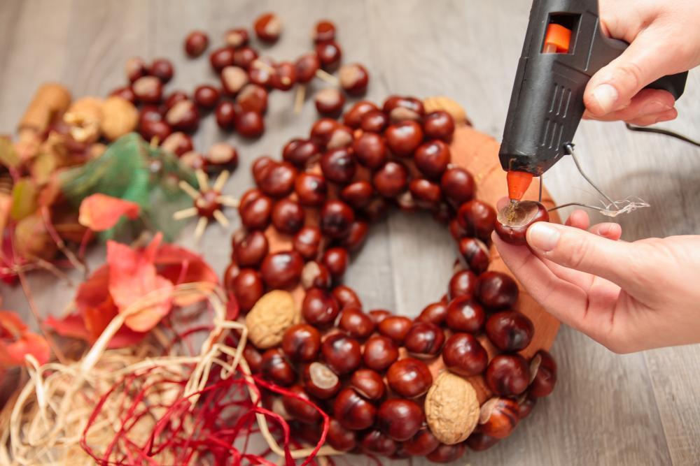 Chestnut wreath thanksgiving decor ideas