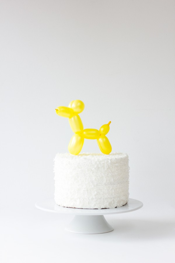 DIY-Balloon-Animal-Cake-Topper1-600x900