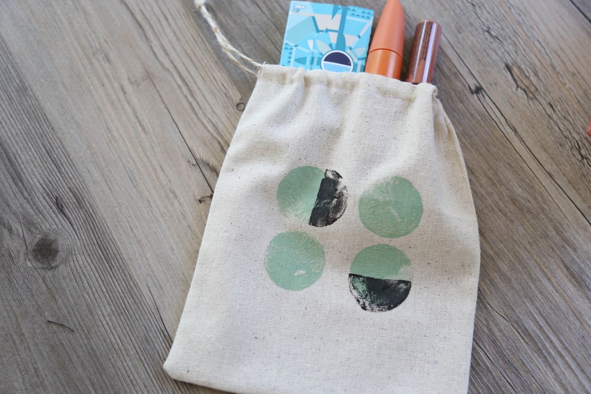 DIY Painted Favor Bags – Modern Design