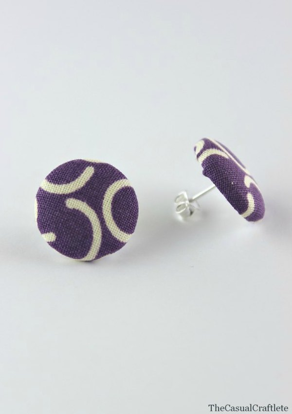 Easy-DIY-Fabric-Button-Earrings-www.thecasualcraftlete.com-for-www.thecraftingchicks.com_