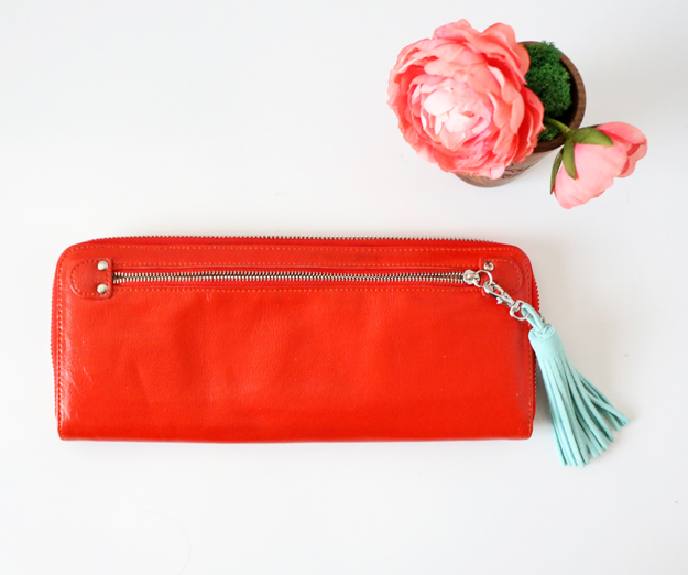 Easy DIY Leather Tassel – Red purse