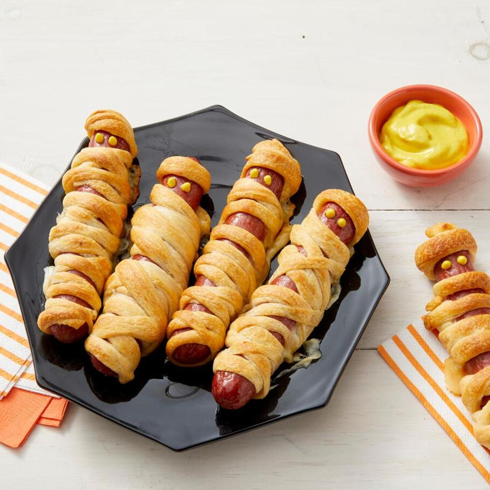 Easy halloween appetizers mummy hot dogs