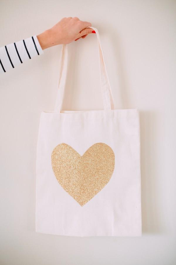 Glitter Heart Tote DIY