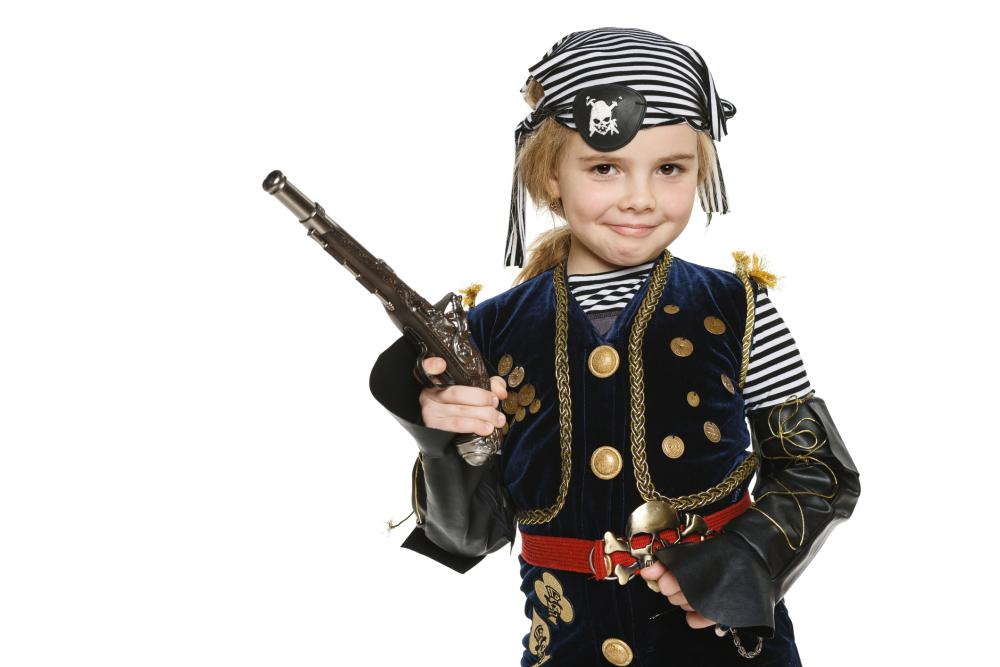 Halloween costume ideas for girls pirate