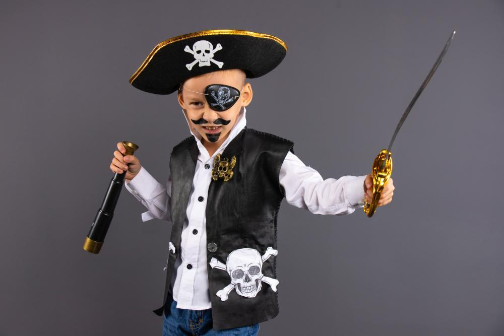Halloween costume for boys pirate