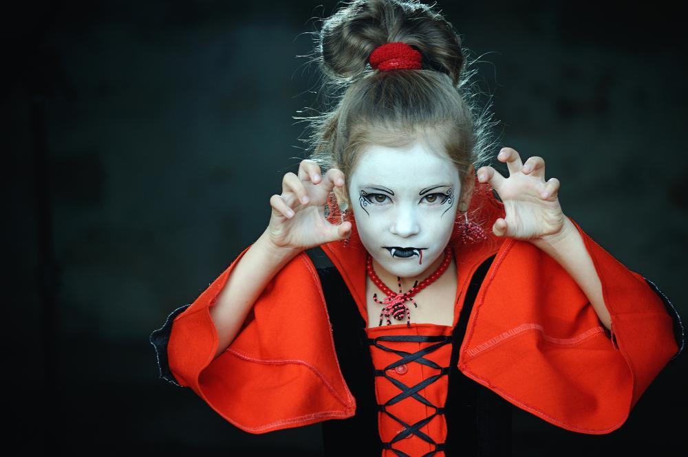 Halloween costumes for kids cute vampire girl