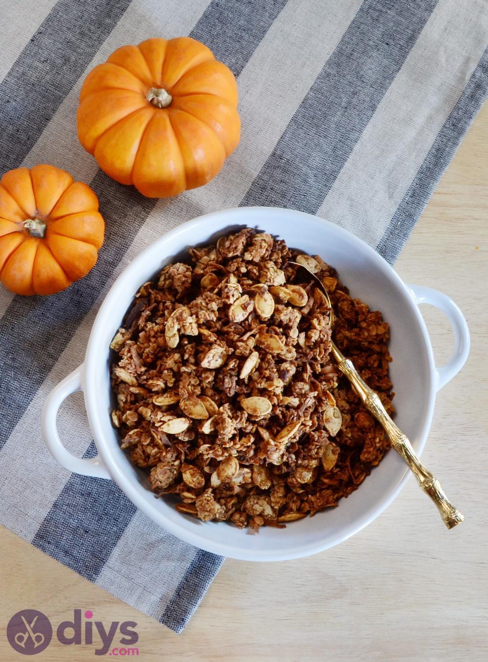 Halloween party food ideas pumpkin spice granola bars
