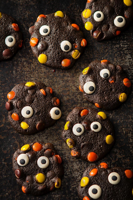 Halloween party treats monstrous cookies