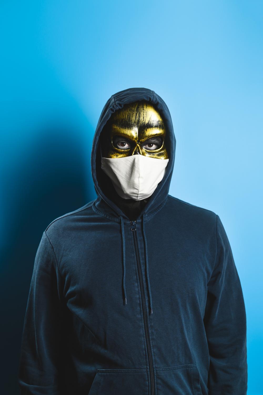 Medical mask skeleton face paint
