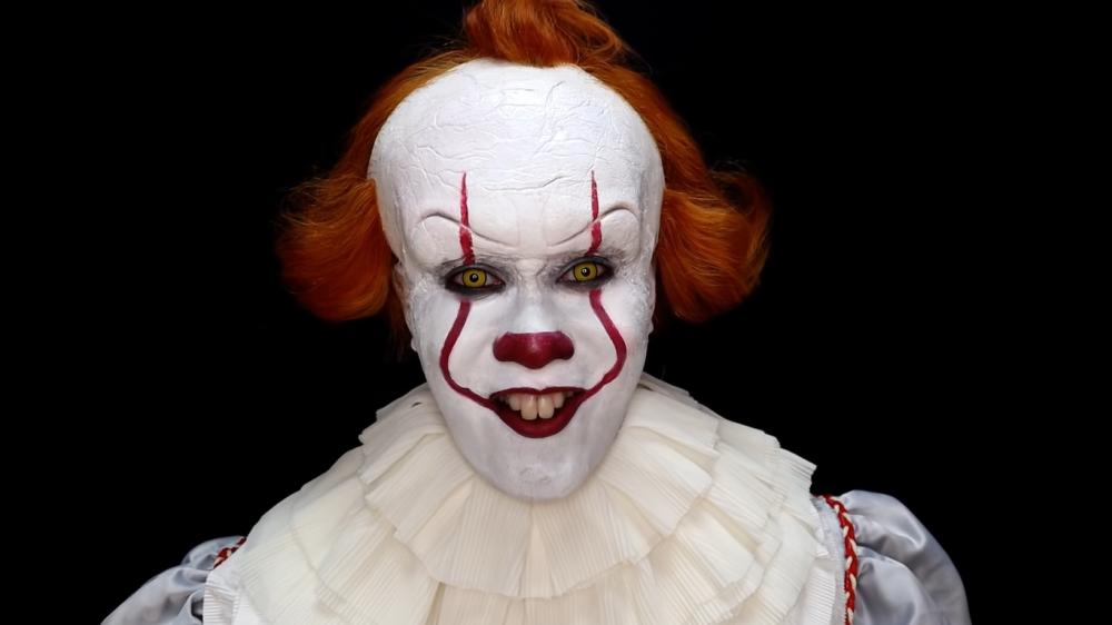 Pennywise halloween makeup