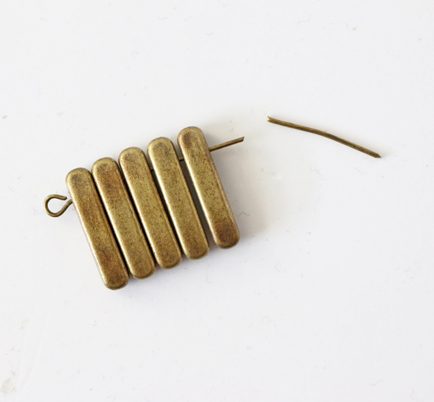 Simple DIY Brass Necklace - Needle