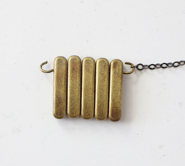 Simple DIY Brass Necklace - Slide The end chain