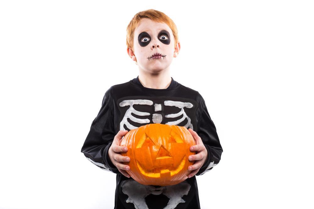 Skeleton boy easy halloween makeup