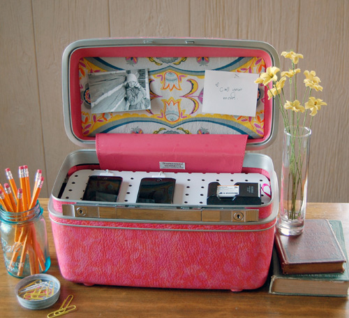 Suitcase Charging Station DIY
