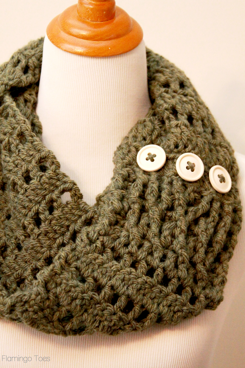 button detail crochet scarf