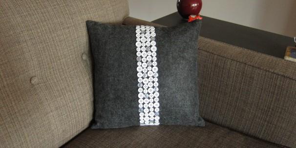 button pillow diy