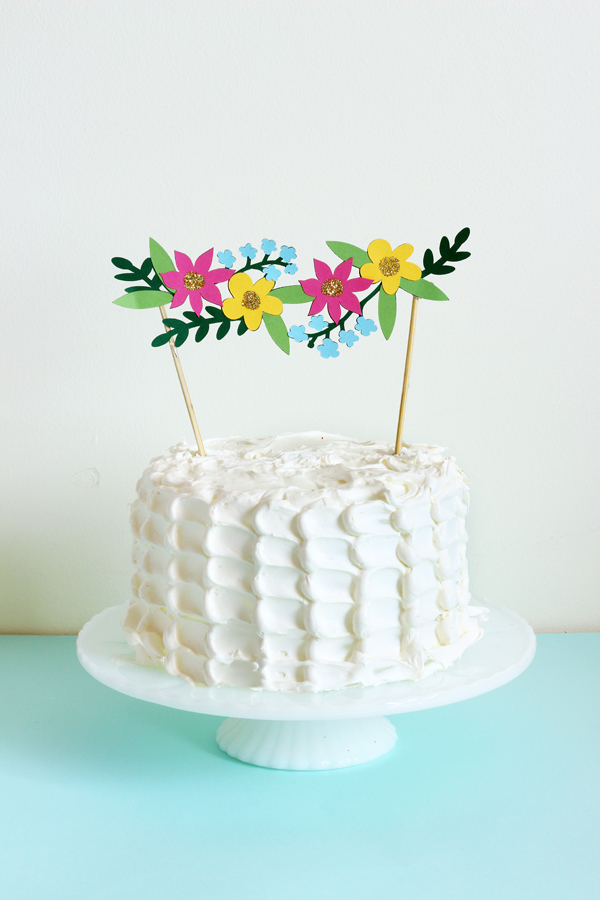 cricut-explore-flower-cake-topper-4