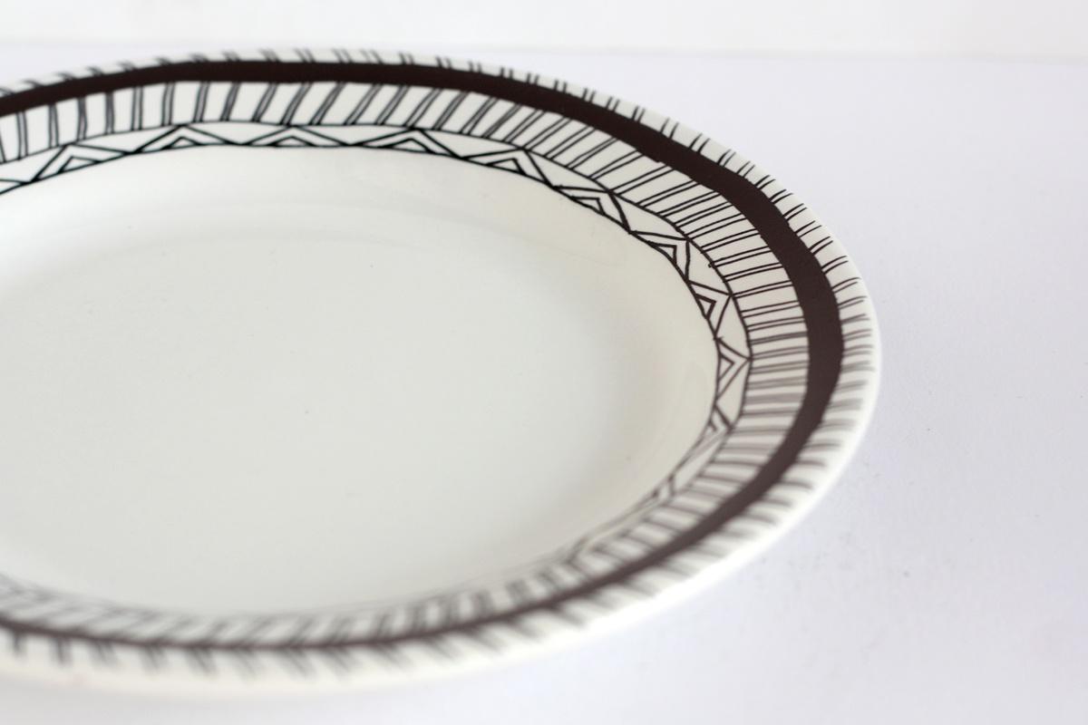 diy hand drawn plate black