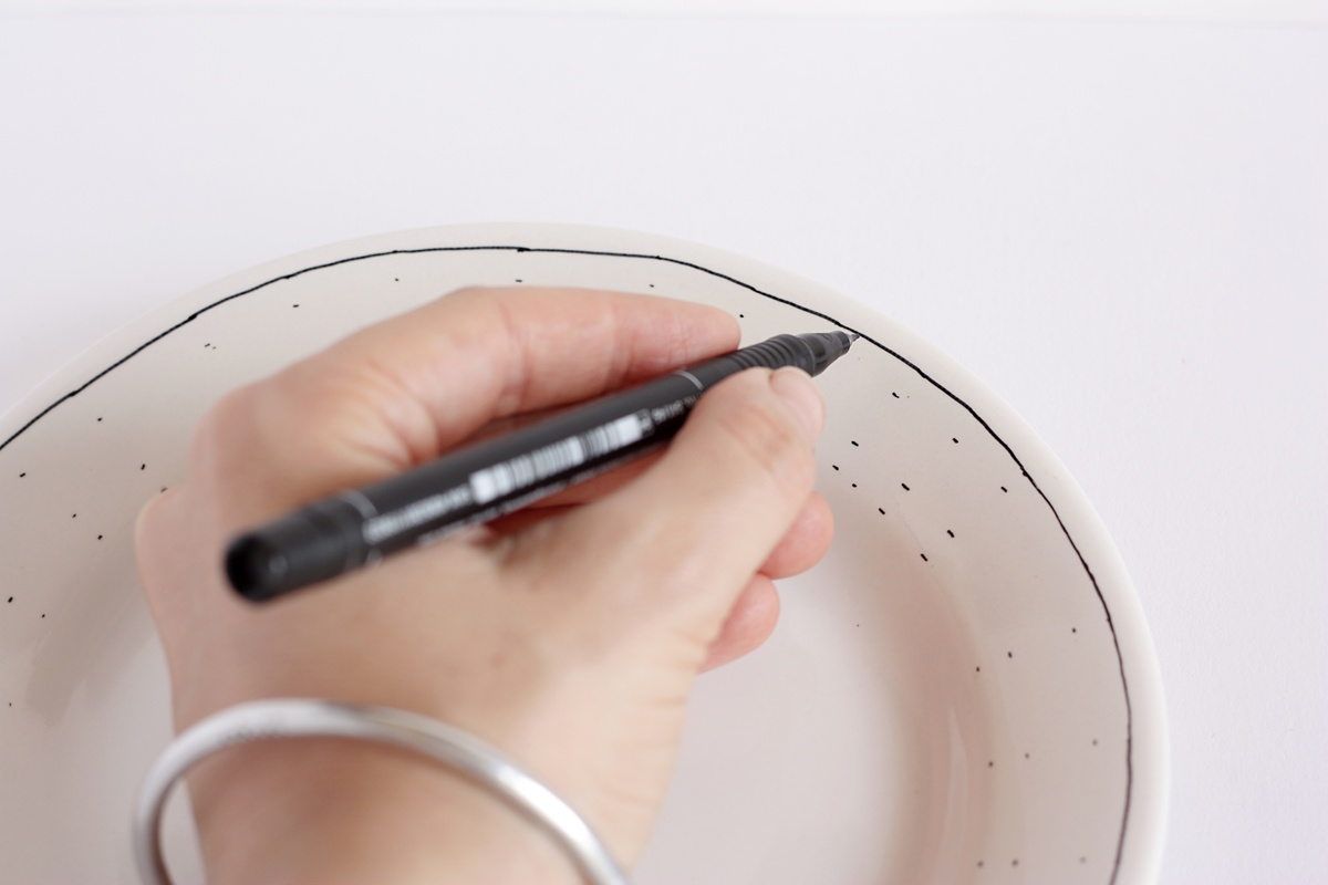 diy hand drawn plate line