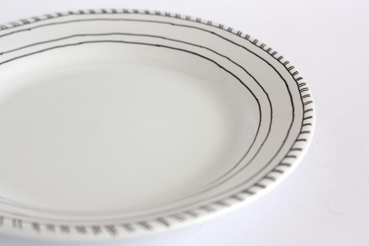 diy hand drawn plate lines