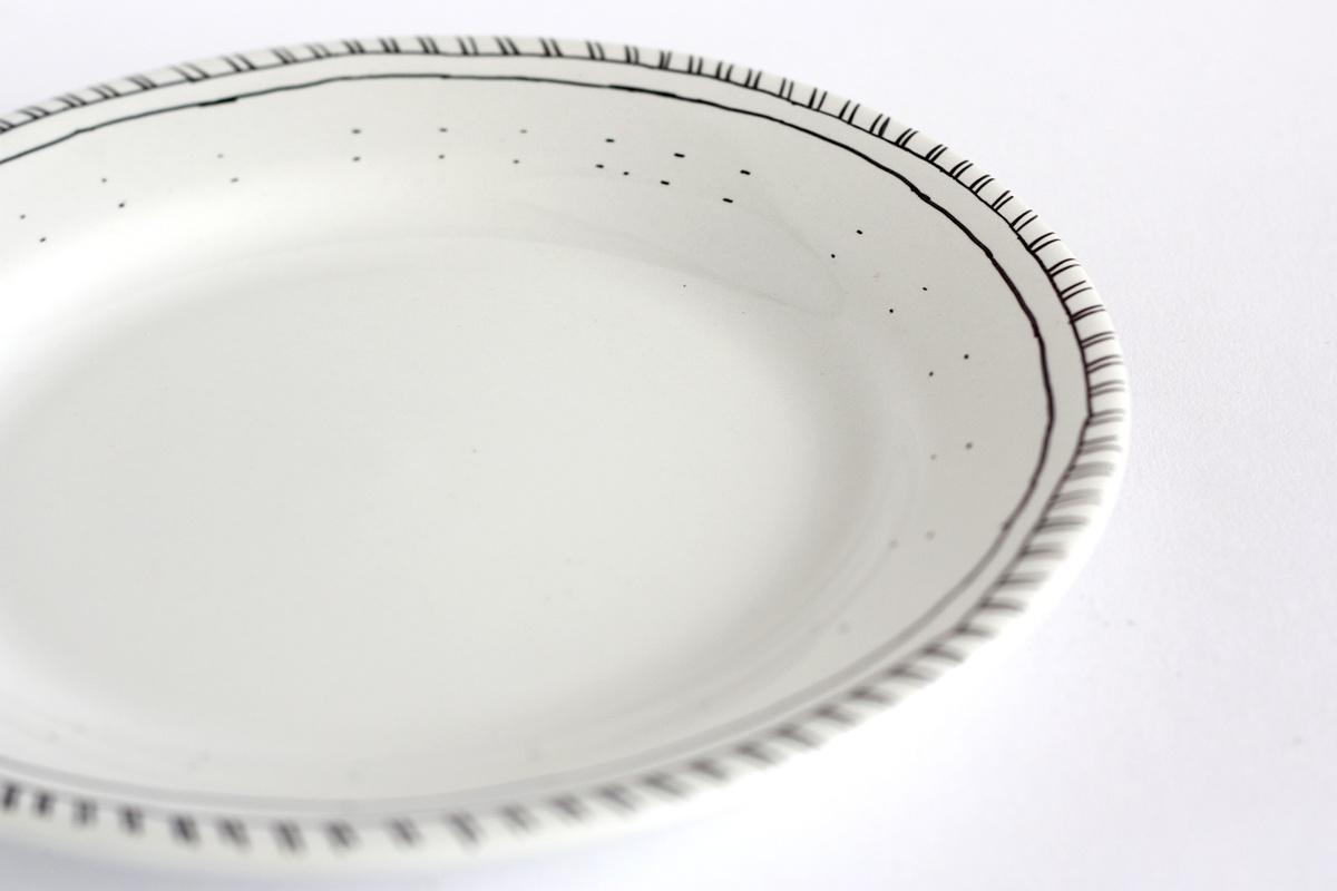 diy hand drawn plate pattern