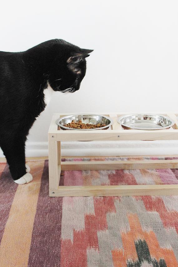 diy wooden pet bowl holder