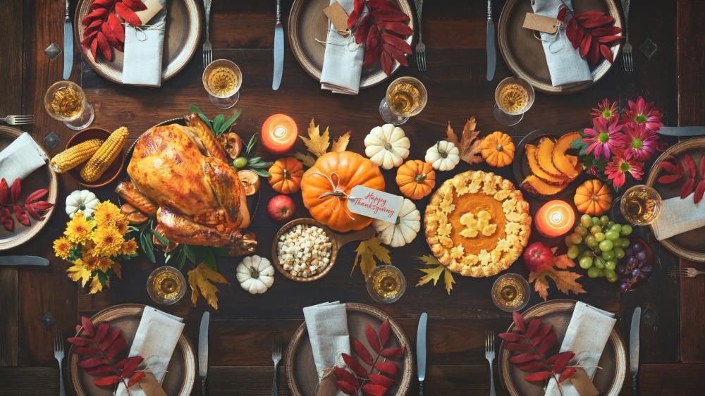 Elegant thanksgiving decor